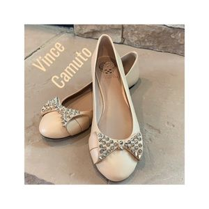 Vince Camuto Beige Studded Bow Flats Size 9.5
